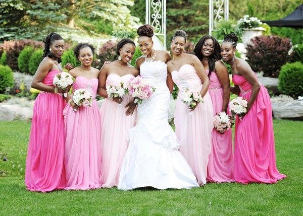 В каком цвете должны быть платья у подружек невесты
